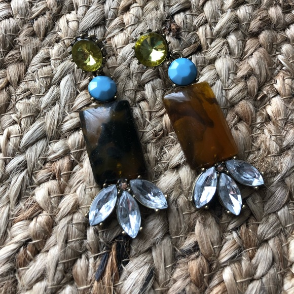 Jewelry - Brown & gold tone statement earrings w/blue accent